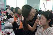 北京美妆培训哪家好,该怎么选择?
