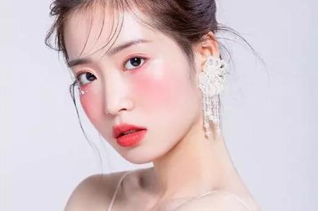 文安学化妆美甲美睫培训需要学多久 化妆班学生作品